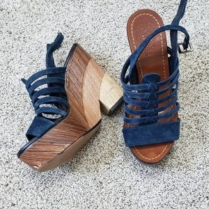 Vince Camuto wooden wedges retro